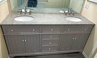Bathroom, 561 Adirondack Ct, 1