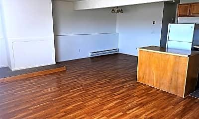 Kitchen, 2570 S McKinley St, 1