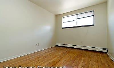 Bedroom, 3118 W Wells St, 2