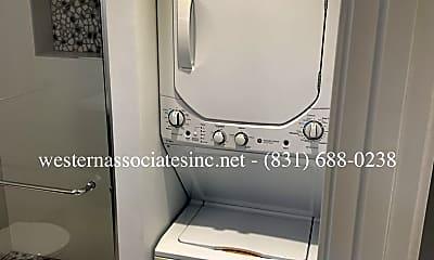 Bathroom, 1819 17th Ave, 2