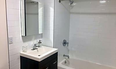 Bathroom, 177-14 Wexford Terrace, 2