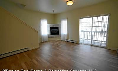 Living Room, 9249 Commons Pl, 2
