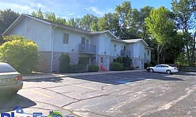 Building, 130 Memorial Dr, 2