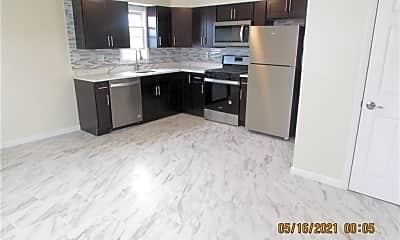 Kitchen, 56 Farquhar Ave, 2