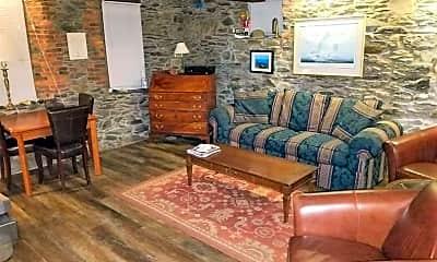 Living Room, 8 Cady St GARDEN, 1