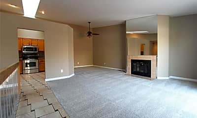 Living Room, 40053 Crosswinds Rd, 1
