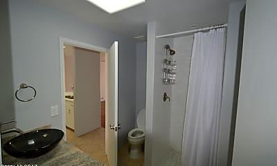 Bathroom, 38 N Camino Imagen, 2