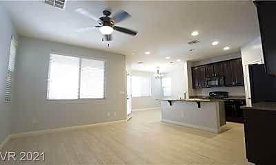 Living Room, 4781 San Marcello St, 1