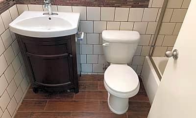 Bathroom, 3612 Keystone Av, 2