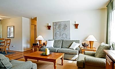 Living Room, Glenwood Apartments & Country Club, 1