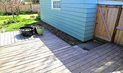 Patio / Deck, 915 NW 27th St, 2