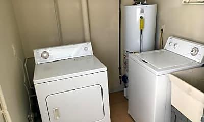 Laundry, 27153 Farmbrook Villa, 2