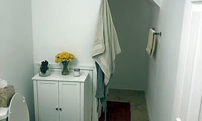 Bathroom, 930 N 19th St, 2