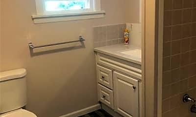 Bathroom, 1607 W Genesee St, 2