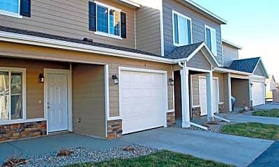 Building, Prairies Edge Commons, 0