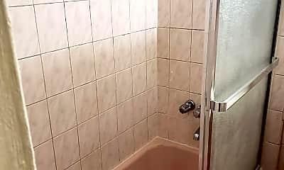 Bathroom, 268 E 52nd St, 2