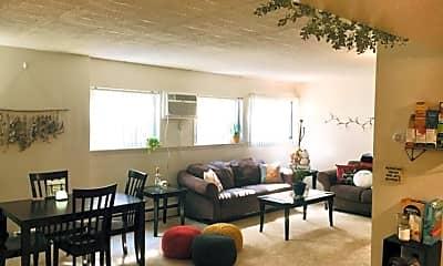 Living Room, 515 Walnut St, 1