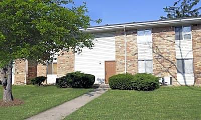 Building, Cloverleaf Apartments, 1