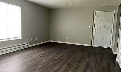Living Room, 325 Bellbrook Ave, 2