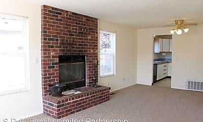 Living Room, 709 9th St SE, 1