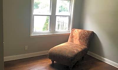 Living Room, 330 E Belvedere Ave, 2