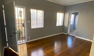 Living Room, 4422 1/2 Arlington Ave, 0