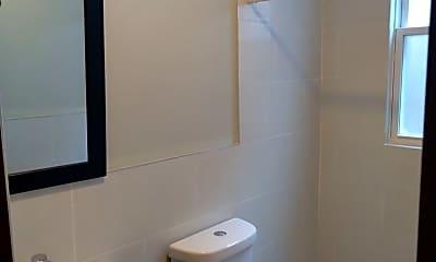 Bathroom, 665 State St, 1
