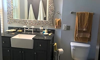 Bathroom, 225 Western Ave N, 2