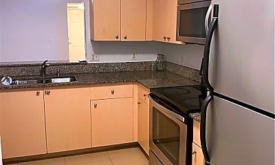 Kitchen, 2496 Centergate Dr 307, 1