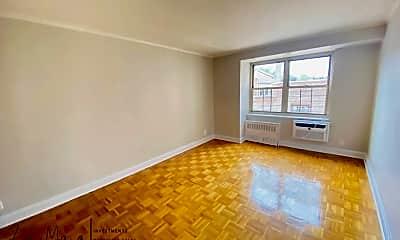 Living Room, 111 N 3rd Ave, 2