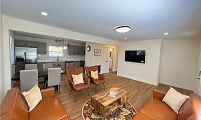Living Room, 200 Skyland Ave A, 0