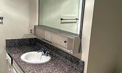 Bathroom, 700 E 5th St, 2