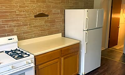 Kitchen, 1721 S Canal St, 2