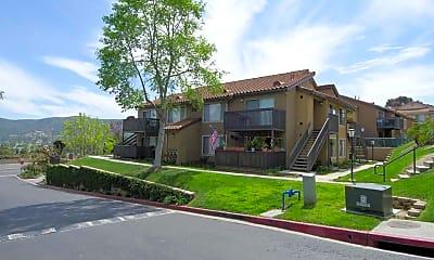 Building, The Highland Luxury Condominium Homes, 2