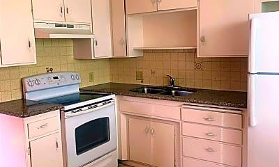 Kitchen, 662 Johanna Ave, 1