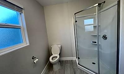 Bathroom, 711 E Taylor St, 1