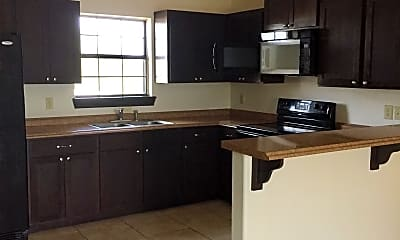 Kitchen, 318 W Bustamante St, 1