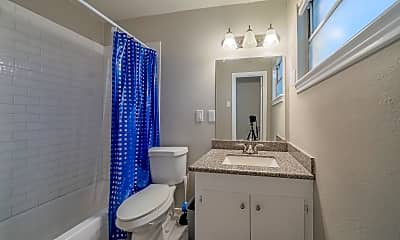 Bathroom, Room for Rent - Live in Central Southwest, 0