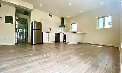 Living Room, 419 N Coronado St, 1