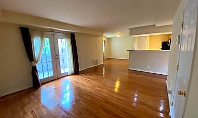 Living Room, 7512 Hawthorne St 5, 0