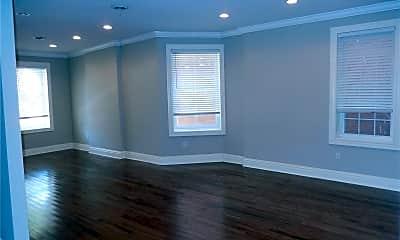 Living Room, 4026 Russell Blvd, 1