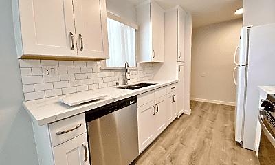 Kitchen, 1203 E San Antonio Dr, 1