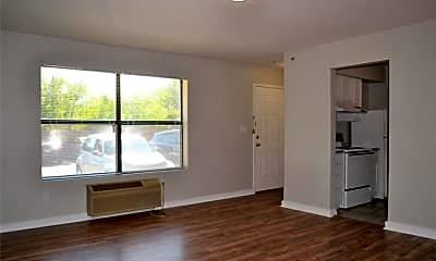 Living Room, 701 W Sycamore St 102, 2