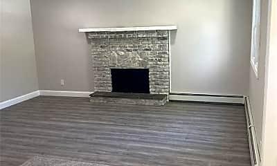 Living Room, 2561 Ocean Ave, 1