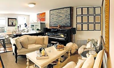 Living Room, 557 5th St, 1