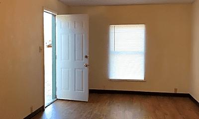 Living Room, 820 S Avenue A, 2