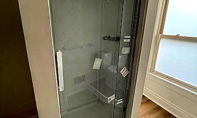 Bathroom, 595 E Brockway Ave, 2