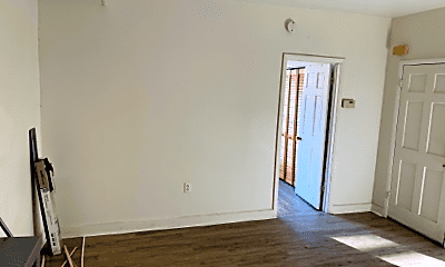 Living Room, 34 Washington St, 2