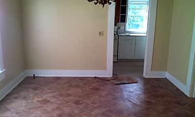 Bedroom, 5918 Henderson Ave, 2