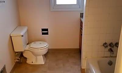 Bathroom, 917 Byrd Ave, 2